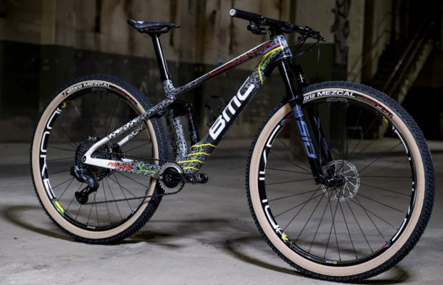 New Pauline Ferrand-Prévot's BMC Fourstroke customised by No Curves