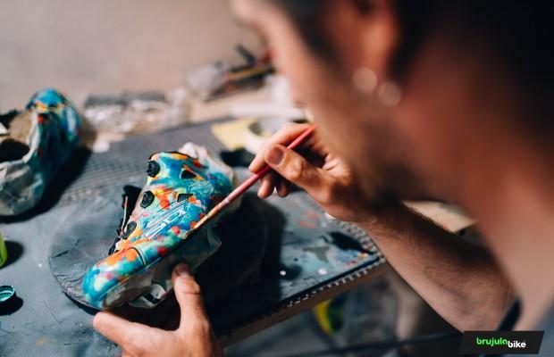 Entramos en el estudio de JotaKicks, donde cualquier par de zapatillas se vuelve exclusivo
