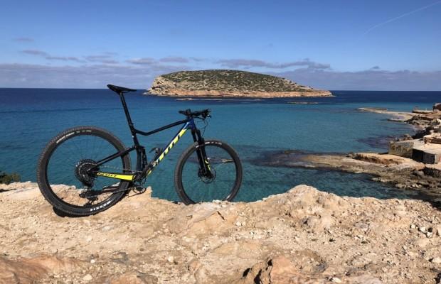 La Vuelta a Ibiza Scott MTB ofrece 100 nuevos dorsales