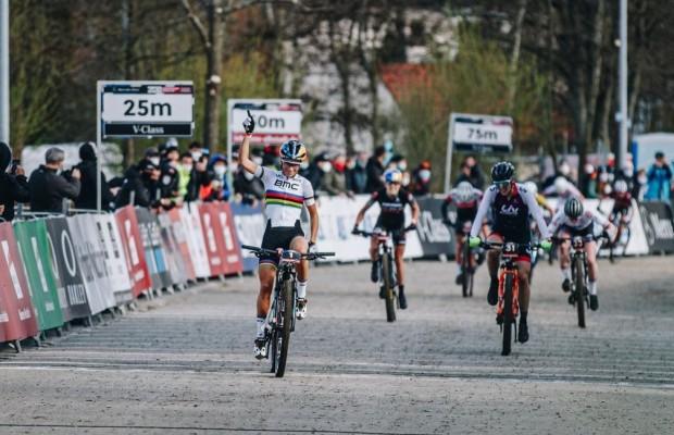 Pauline Ferrand Prevot wins the Albstadt Short Track in a flawless way