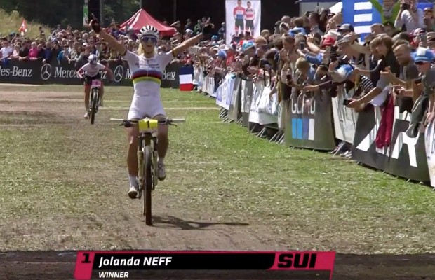 Una épica Jolanda Neff lo gana todo en la Copa del Mundo La Bresse, la mejor carrera en años