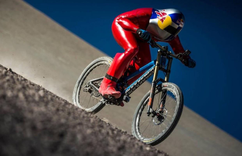Qual é a velocidade média normal em uma bicicleta de estrada ou MTB