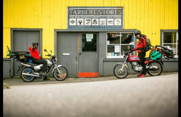Un viaje en moto épico con la mountain bike en el equipaje