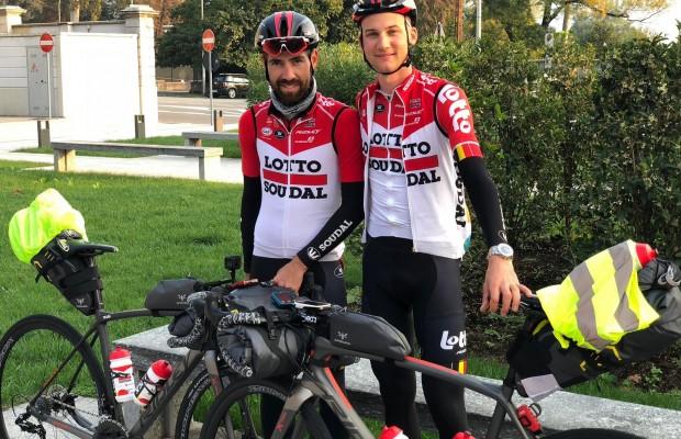 El bikepacking llega al ciclismo profesional , De Gendt y  Wellens regresan de Il Lombardia a Bélgica en bici