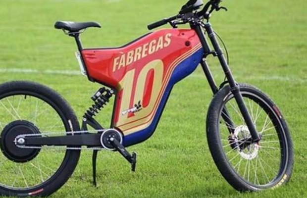 A Cesc Fabregas le robaron su e-bike Greyp G12S de 10.000 € y la recuperó