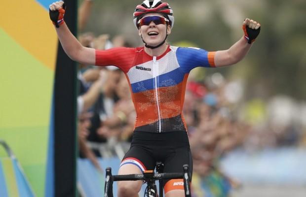 Anna van der Breggen, la campeona del mundo de carretera se pasa al MTB