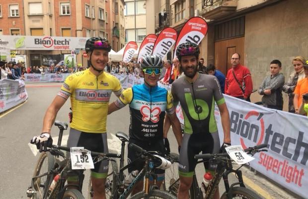Solo Carlos Coloma puede con el Brújula Bike Racing Team en el Superprestigio MTB de Arnedo