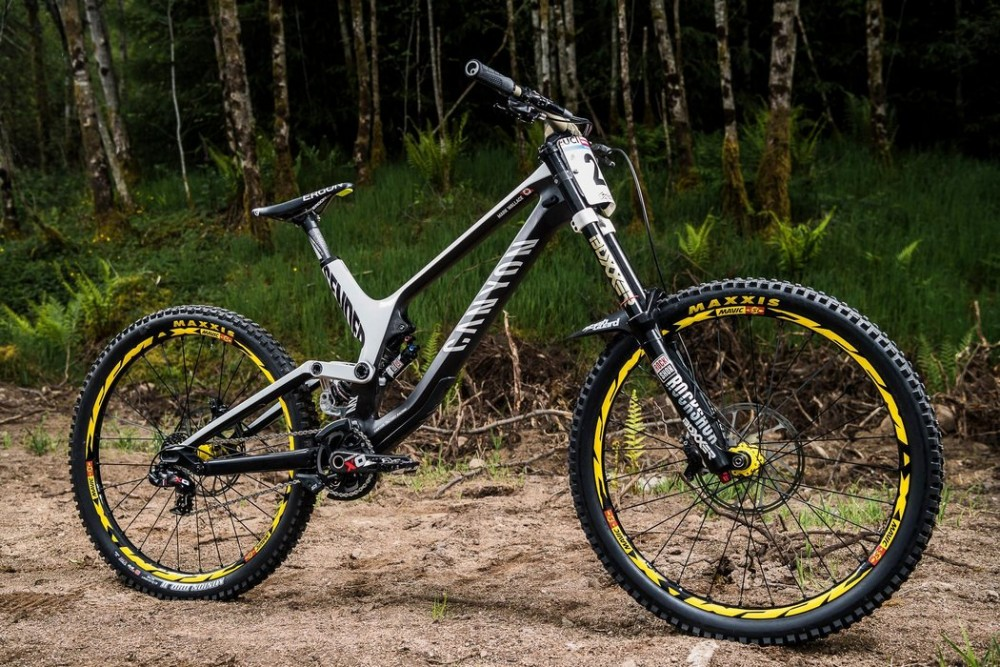 ventajas-ruedas-carbono-mountain-bike