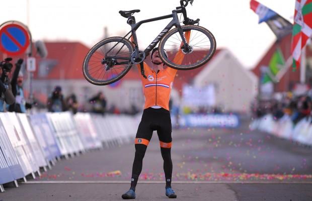 Mathieu van der Poel se proclama Campeón del Mundo de CX