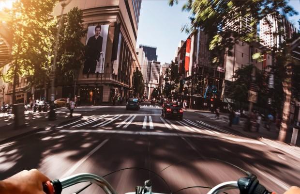 La conexión 5G promete mejorar la seguridad de los ciclistas