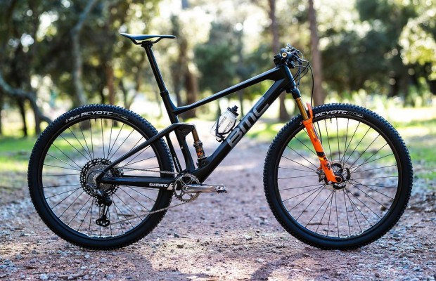 La BMC Fourstroke del BMC MTB RACING TEAM para 2019