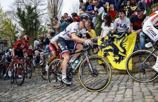 Peter Sagan al llegar a meta del Tour de Flandes: