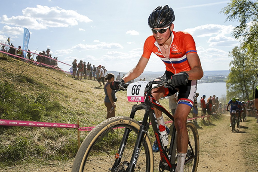 van-der-poel-termina-carretera-antes-mountain-bike