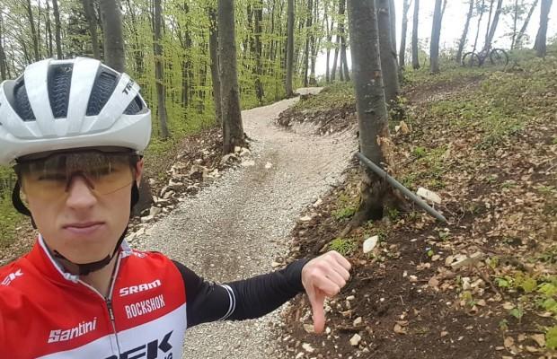 Anton Cooper critica el circuito de la Copa del Mundo de Albstadt, aficionados y bikers le apoyan