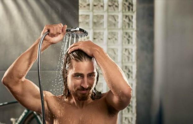 Qué beneficios tiene tomar duchas de agua fría