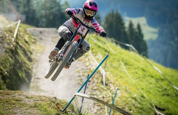 Loïc Bruni y Tracey Hannah volando bajo para ganar en Leogang