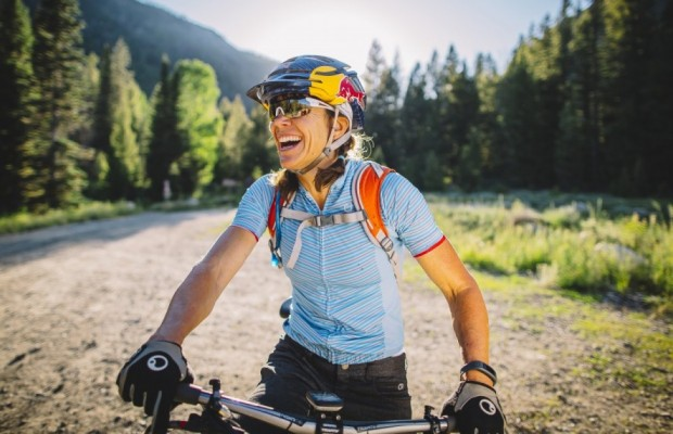 Start riding bikes between 40 and 60 years has many benefits