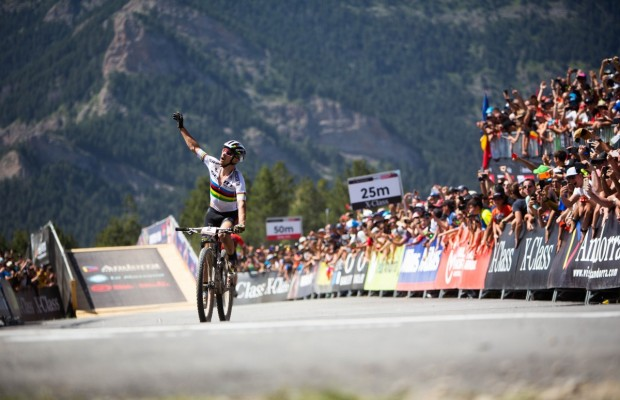 Nino Schurter claims his throne by winning the Vallnord World Cup 2019