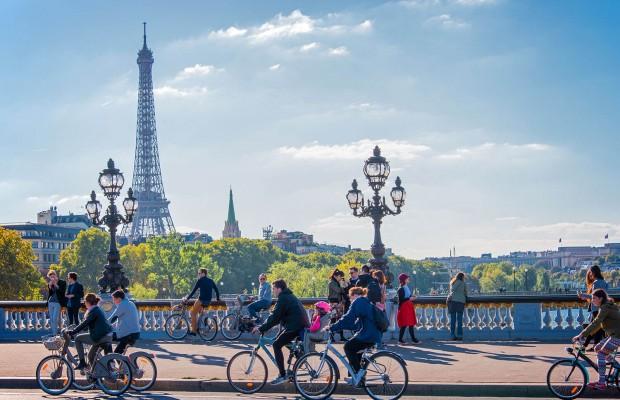 París duplicará sus carriles bici y ofrecerá hasta 400€ por la compra de una e-bike