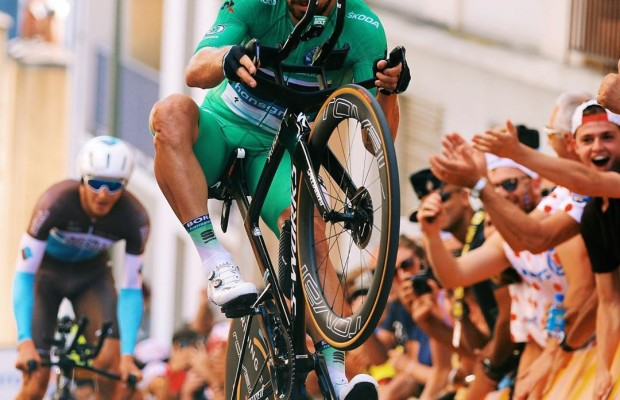 Peter Sagan hizo este caballito en plena crono del Tour de Francia