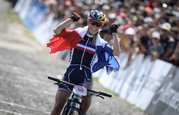 Pauline Ferrand Prevot becomes XCO World Champion 2019