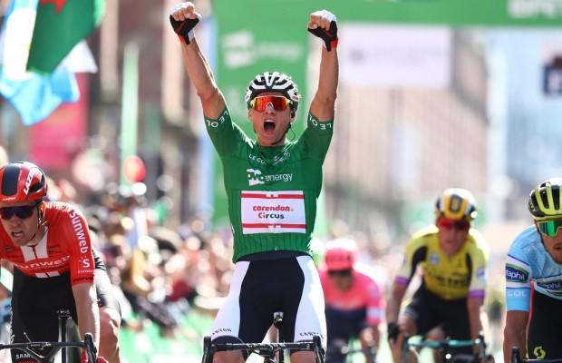 Van der Poel gana el Tour de Gran Bretaña con otro potente sprint