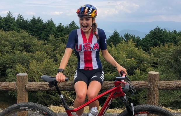 Kate Courtney sufre una caída y se queda fuera del Test Olímpico