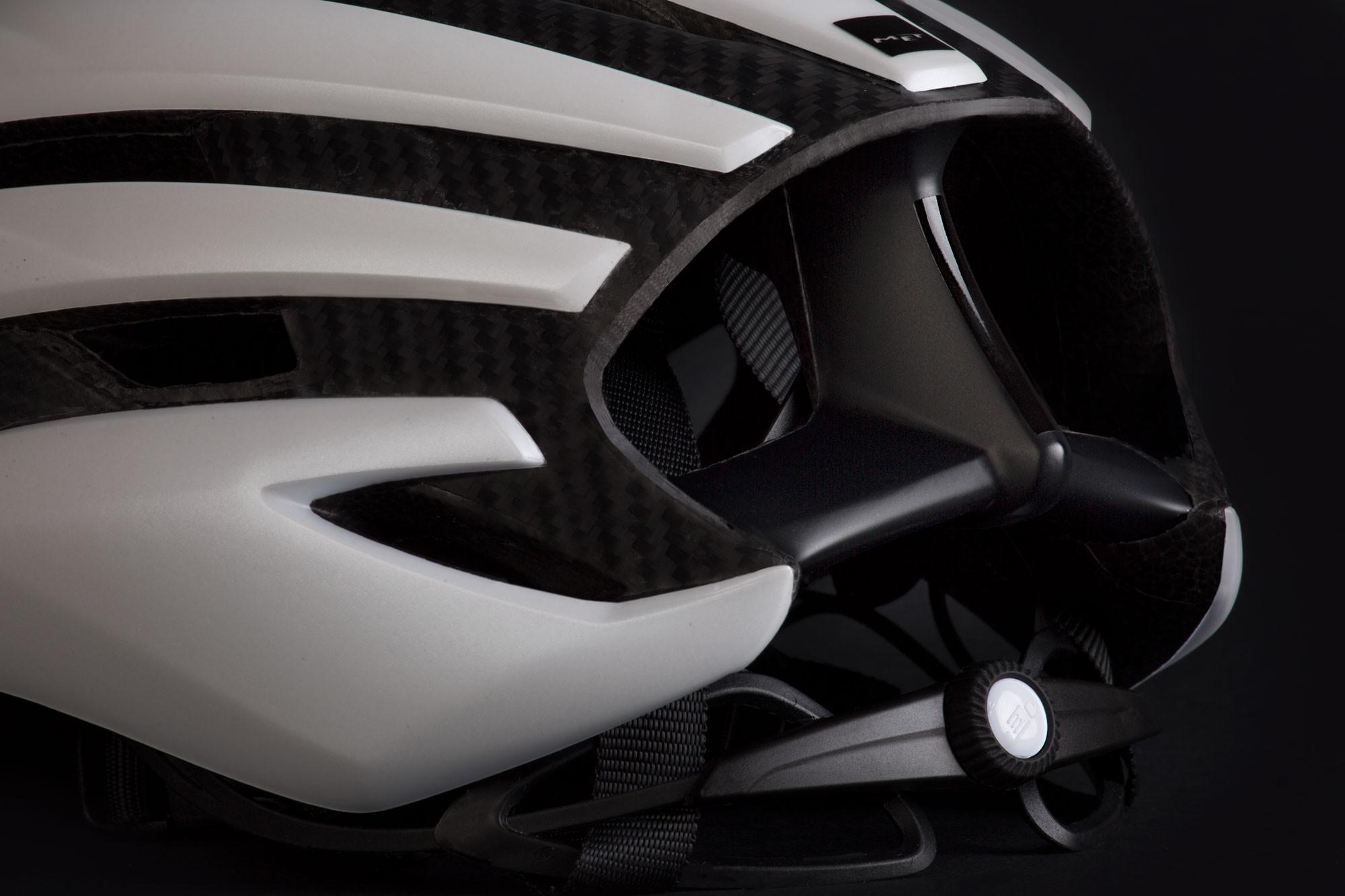 MET Trenta 3k Carbon