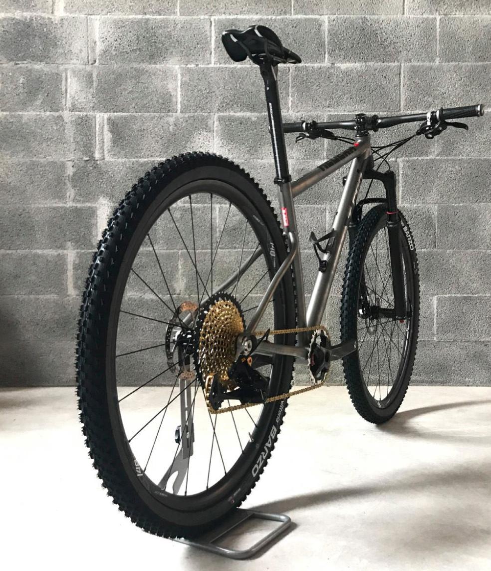 TRed Hedera mountain bike XC titanio
