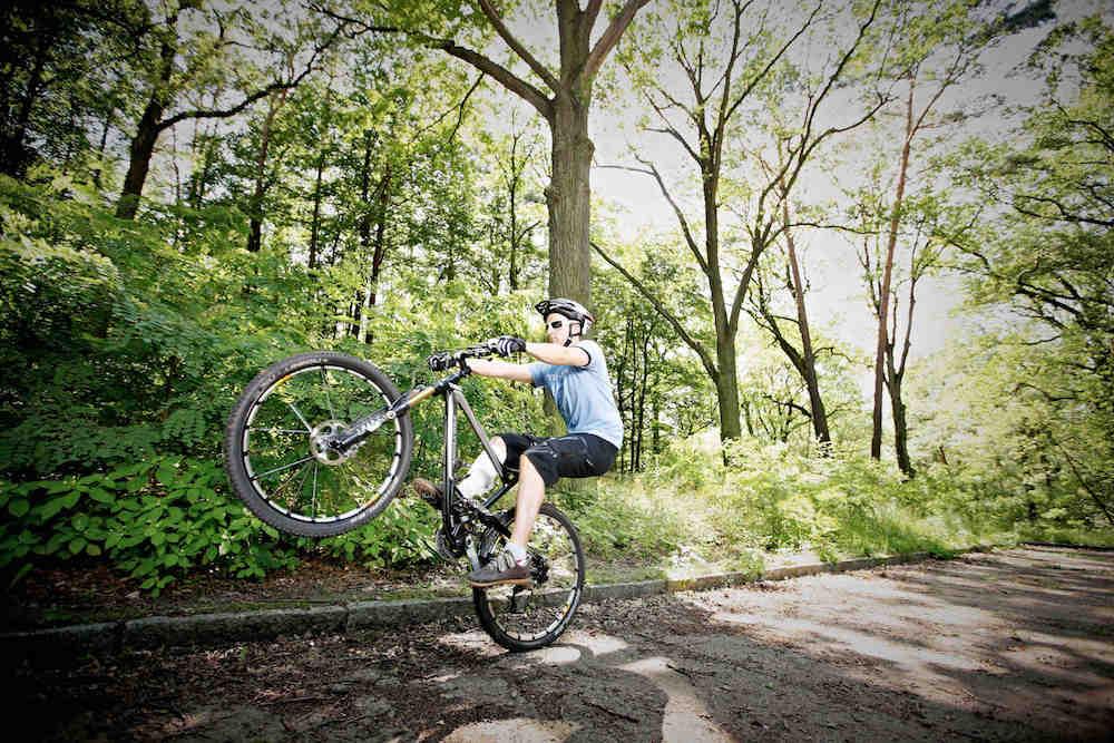 manual mountain bike