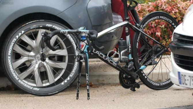 bici motor oculto ciclista amateur