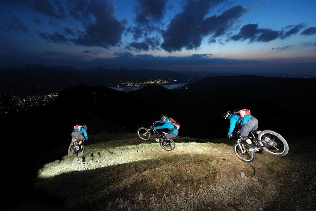 mountain bike noche