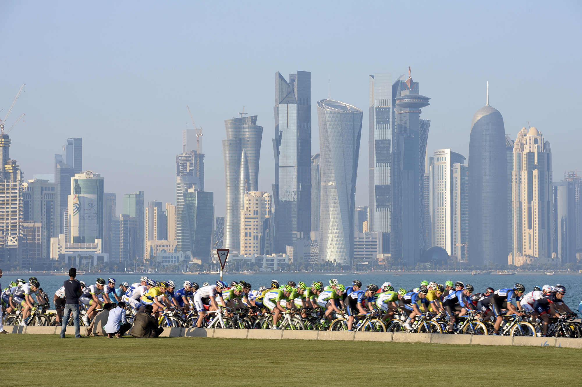 The peloton in Doha on stage six of the 2014 Tour of Qatar