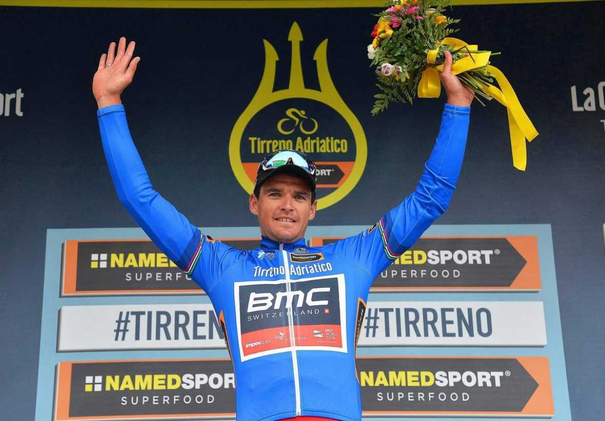 Sagan vuelve a tirar al poste y Van Avermaet gana la Tirreno