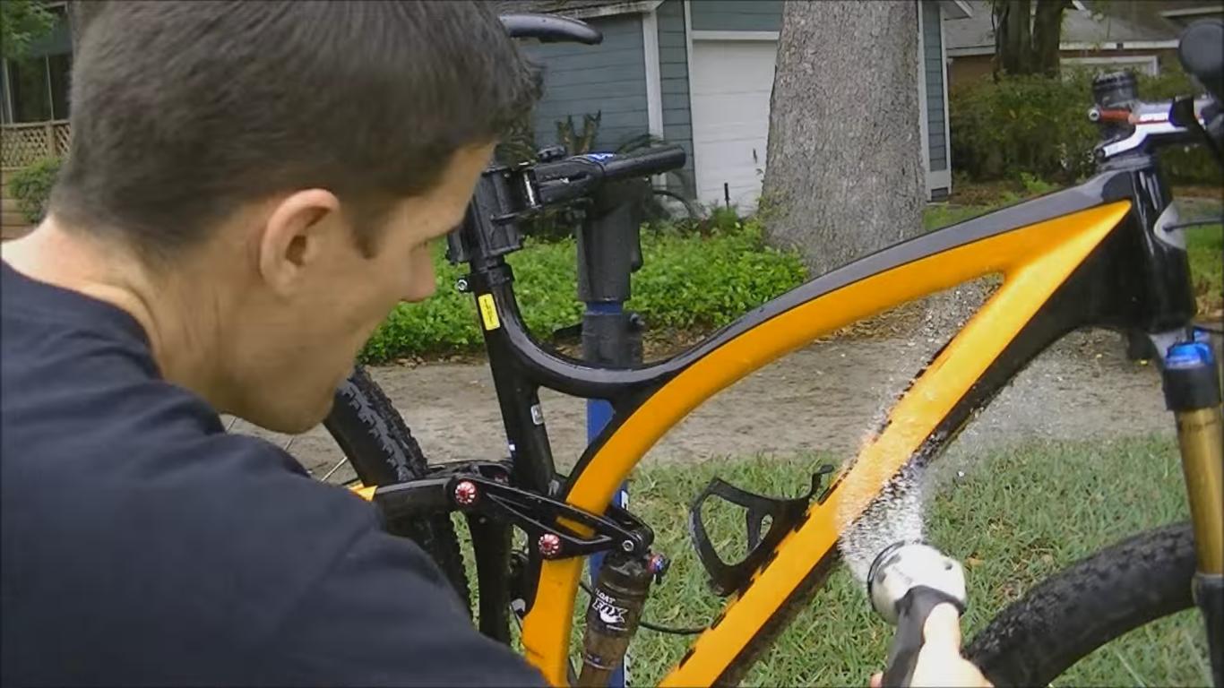 Limpiar tu bici agua