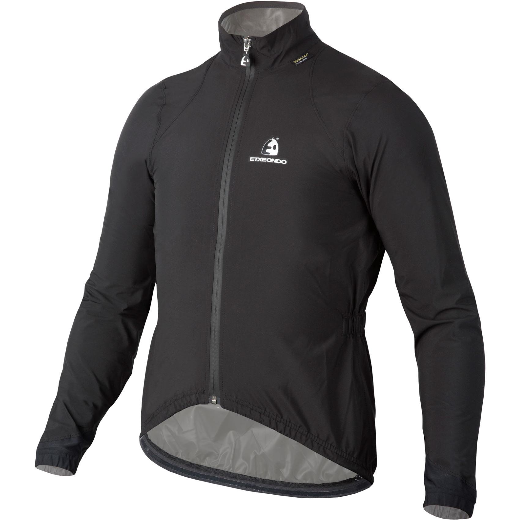 Qué debe aportar una chaqueta impermeable para ciclismo