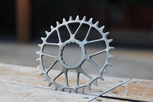 Platos y piñones de titanio de KA Engineering