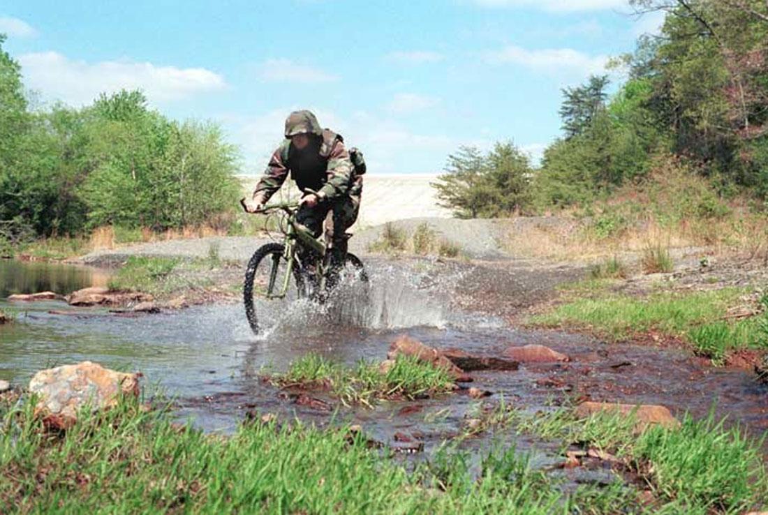 La industria militar ha ayudado a evolucionar el mountain bike más de lo que crees