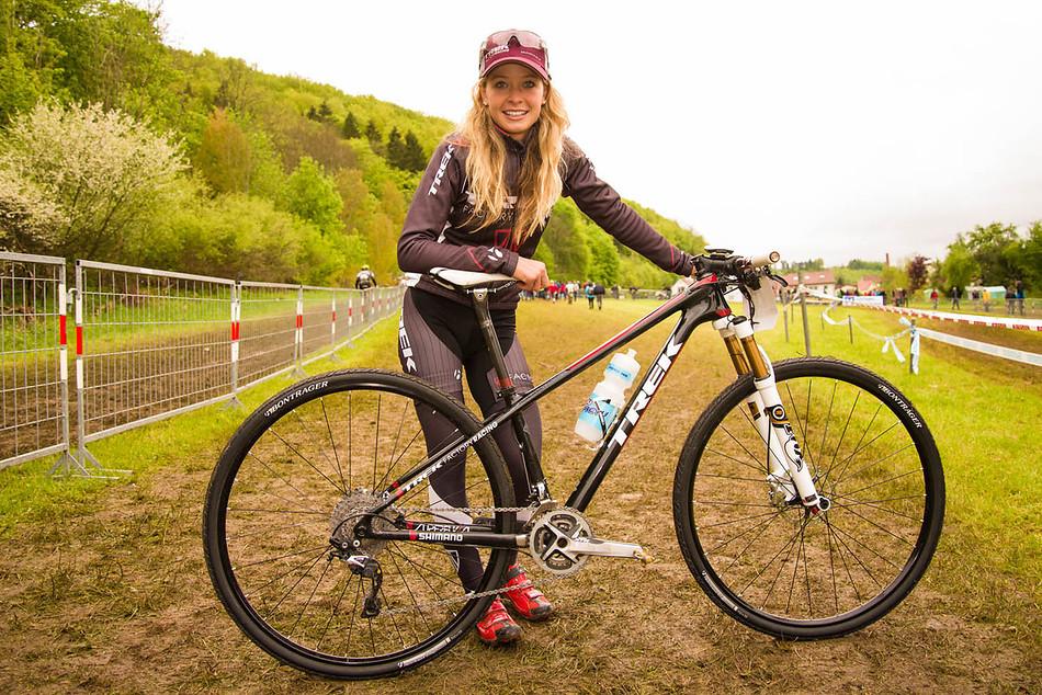 Emily Batty, la Papá Noel del ciclismo en Toronto