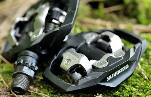 ¿Son mejores los pedales Shimano o los Crank Brothers?
