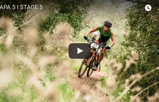 El campeón del mundo Alban Lakata nos cuenta en vídeo la quinta etapa de Andalucía Bike Race