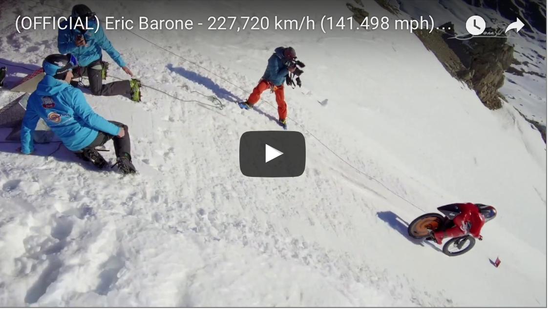 227 km/h nuevo récord de velocidad en Mountain Bike sobre nieve para Eric Barone [VÍDEO]