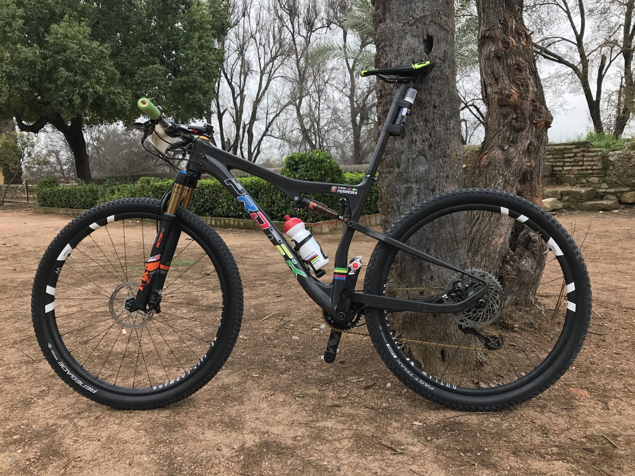 La Protek del campeón de Andalucía Bike Race, Tiago Ferreira, al detalle