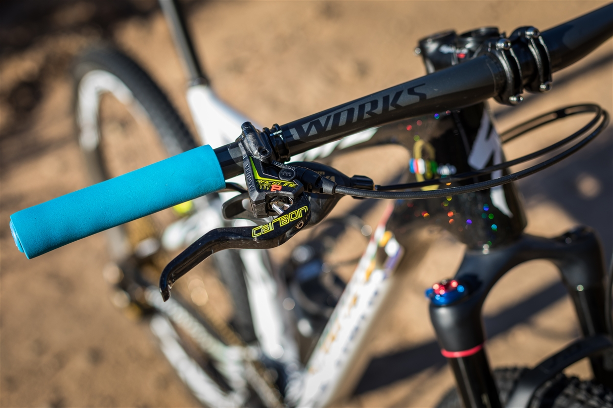 Specialized S-Works Epic FSR frenos y puños