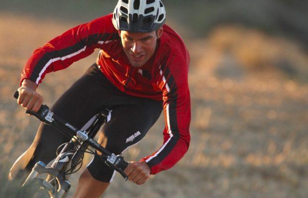 Aumentar la intensidad de tus salidas en bici puede prevenir enfermedades