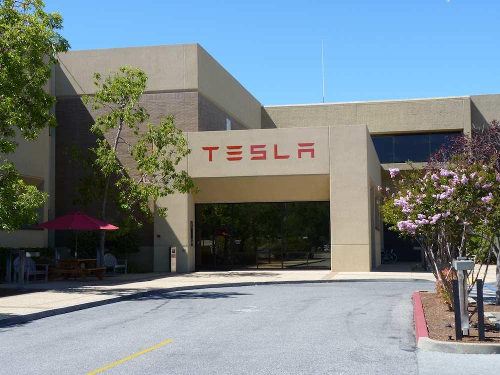 Tesla pagará a sus empleados que vayan en bici al trabajo