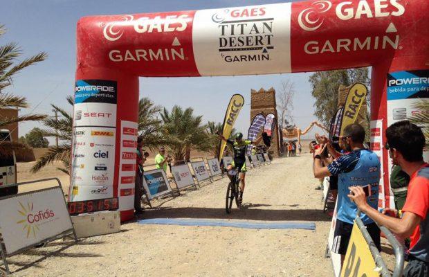 Épica victoria de Roberto Bou en la etapa 3 de la Titan Desert 2017