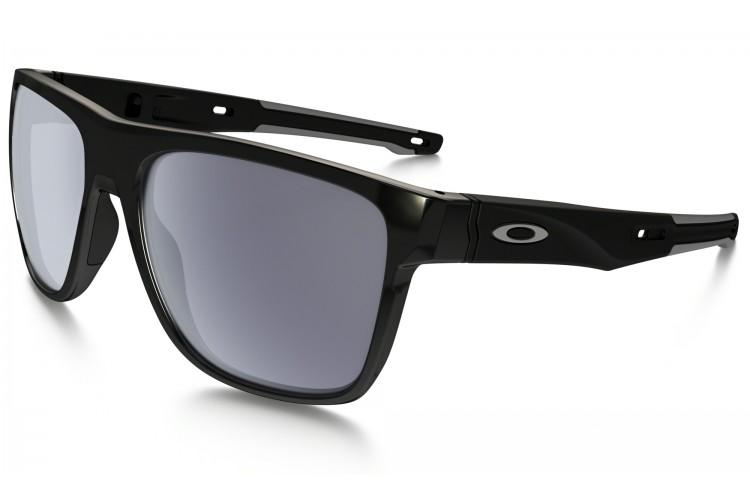 daf8ba6b44 Lo que hace especiales a las gafas Oakley Crossrange es su versatilidad: en  cuestión de segundos puedes transformar unas gafas deportivas en unas